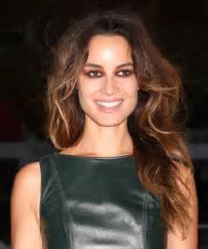 hairstyles images berenice marlohe long wavy formal hairstyle medium brunette golden thehairstyler com