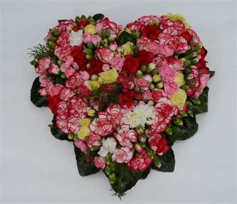 fiori a trieste cuore di garofanini fiori de berto consegna