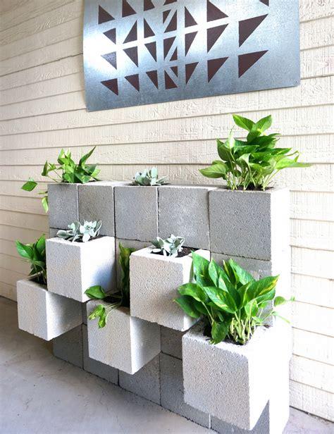 diy cinder block succulent wall   twist