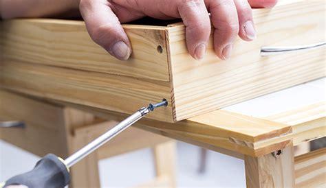 Where To Throw Furniture In Dubai - furniture repair dubai carpenter dubai 0581873002