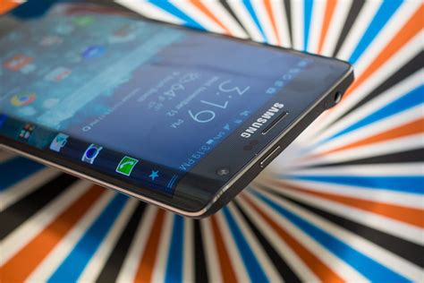 scrolling wallpaper note edge samsung galaxy note edge review note edge breaks the mold