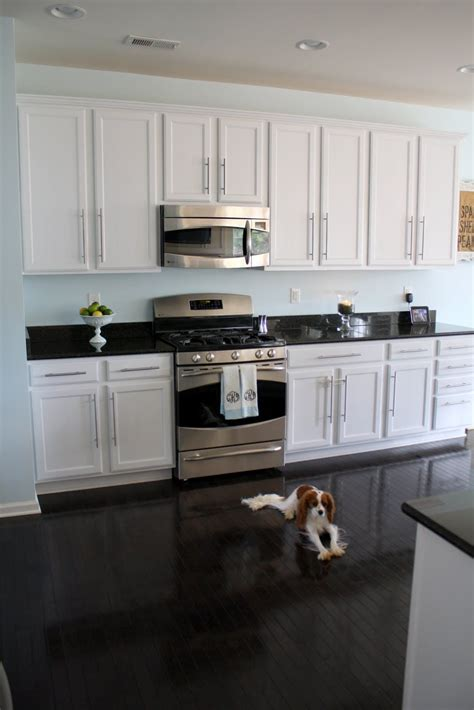 kitchen cabinets and flooring combinations kitchen cabinets and hardwood floors combinations leave