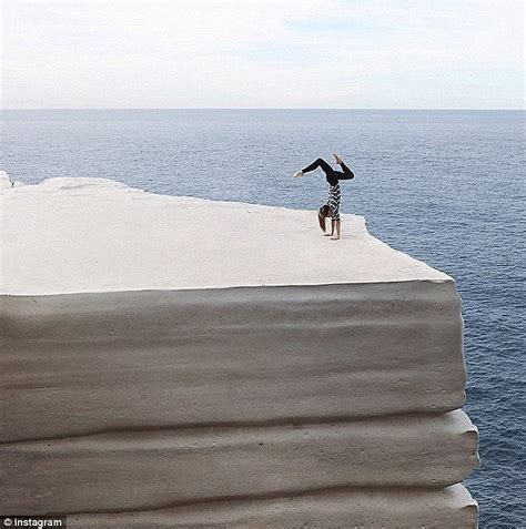 Wedding Cake Rock Closed by Wedding Cake Rock In Nsw Could Collapse Into The Sea At