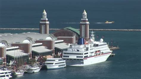 chicago river boat to navy pier navy pier chicago river chicago hd stock video 740