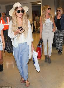 Cruise Wed In Los Angeles Last Week by Hudgens And Tisdale Return Home After