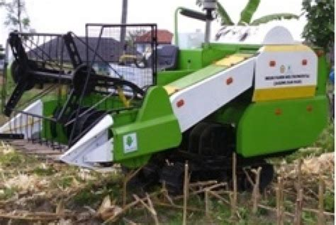 Mesin Panen Mesin Panen Multi Komoditas Dukung Upaya Swasembada Jagung Di Indonesia Republika