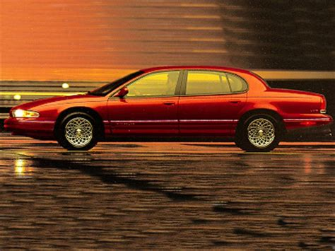 used 1995 chrysler lhs sedan pricing features edmunds 1995 chrysler lhs specs safety rating mpg carsdirect