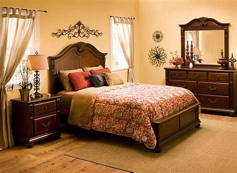 ashbury  pc queen bedroom set cherry raymour flanigan