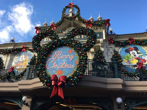 when does disneyland decorate for 2017 billingsblessingbags org