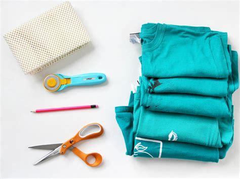 rag rug tools craft an inexpensive rug using t shirts how tos diy