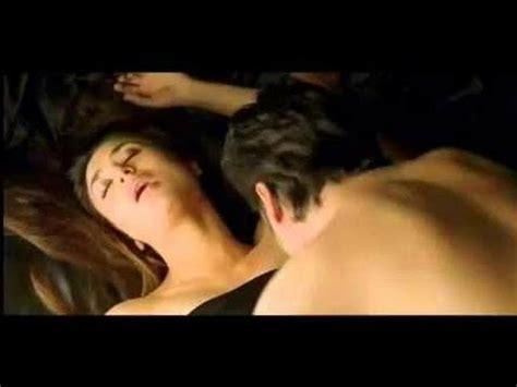 kareena kapoor bedroom photos kareena kapoor and fawad khan hot romance youtube