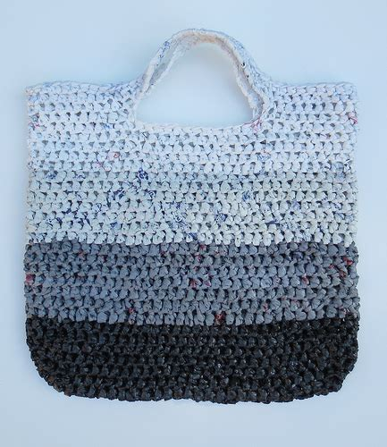 crochet pattern plastic bag tote fade to white plarn tote bag my recycled bags com
