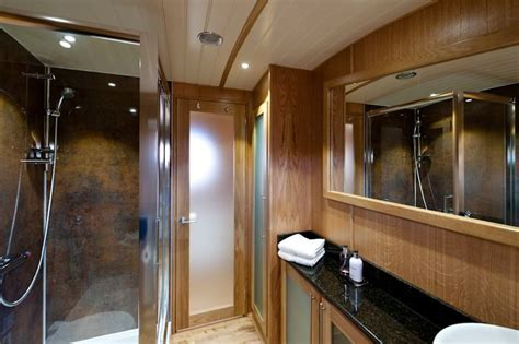 luxury widebeam canal boat for hire