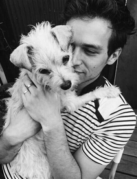 brandon flynn and his puppy charlie | Brandon Flynn ️ in 2019