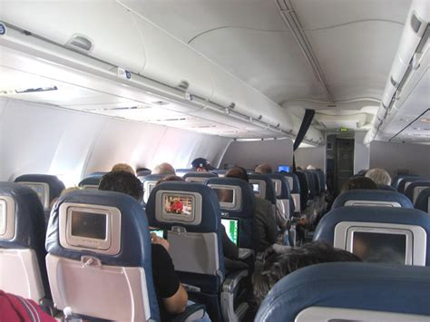 delta 737 800 economy comfort us domestic flight with delta air lines
