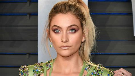 paris jackson daughter michael jackson s daughter paris checks into rehab