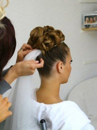 Wedding Hairstyles With High Veil by Wedding Updos With Veil 12 Wedding Hairstyles