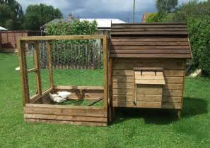 basics of how to build a chicken house chicken coop how to