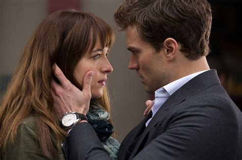 film fifty shades of grey verhaal 10 things christian grey does that would be creepy if i