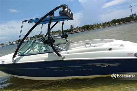 boat bimini top speakers rent a bayliner 175 br in hollywood fl on boatbound