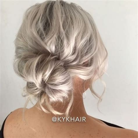 donut hairstyles textured donut bun trick on short hair нαιя ѕтуℓєѕ ι