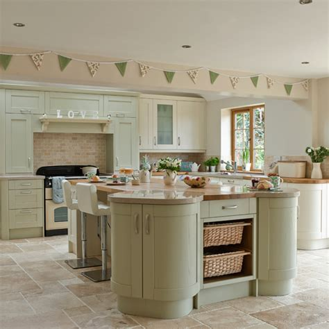 kitchen ideas with cream cabinets sage and cream shaker style kitchen kitchen decorating