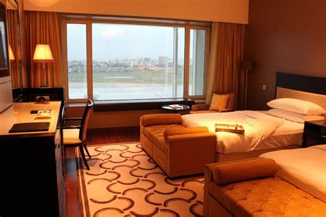 view card room santa hotel review taj santacruz mumbai india cardexpert