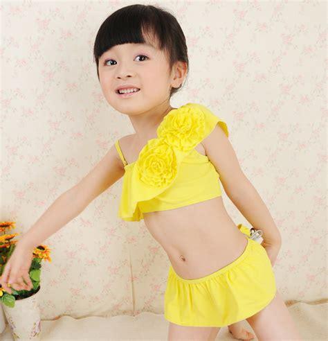 lolitas models 2pc set 2013 female child girl swimwear split little