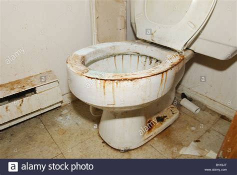 Synonyms For Bathroom by Image Gallery Dirty Toilet