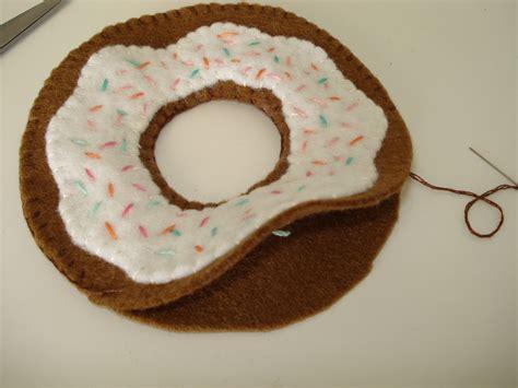 Felt Donut Pattern | cupcake cutie free felt food pattern donuts