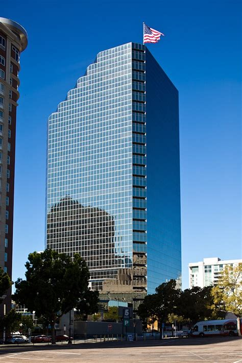 Columbia Mba 2018 Alan Fund San Francisco by Emmes Gets 130 Million In Refinancing For Downtown Tower