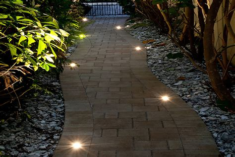 Exterior Landscape Lights Outdoor Lighting Ideas For St Louis Homes Dusk To