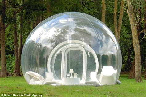 Bubble Tent | transparent bubble tent puts cers under the stars but