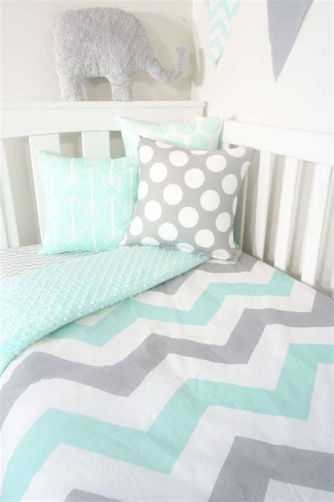 grey and mint bedroom 25 best ideas about grey chevron on pinterest grey