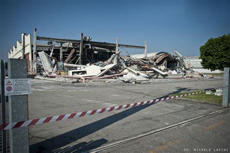 permesso di soggiorno foto e terremoto 232 strage sul lavoro in piazza moratoria