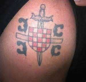 tatuaggi sul sedere seljak tatoo 7 jpg srednja hr
