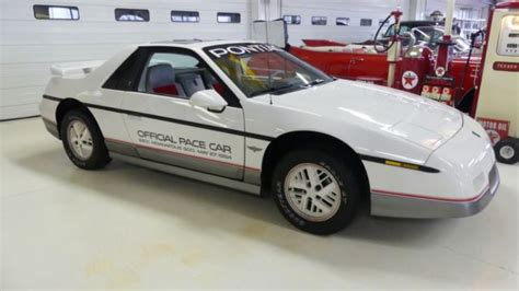 automotive service manuals 1984 pontiac fiero seat position control 1984 pontiac fiero se indy pace car 28144 miles white coupe i4 2 5l automatic for sale pontiac