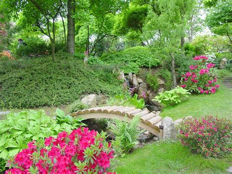 Garden Flowers Ideas Beautiful Flower Garden Ideas Not Only Beautiful Large Gardens Can Be Arranged To Look