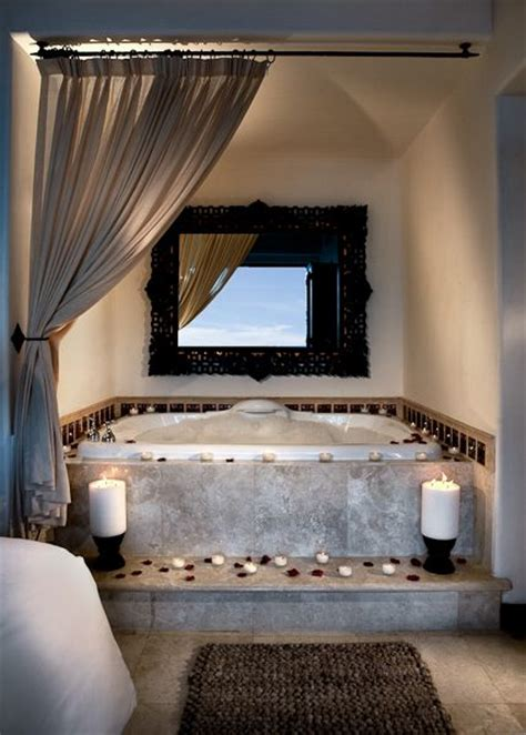 jacuzzi tub in bedroom 25 best ideas about jacuzzi tub decor on pinterest