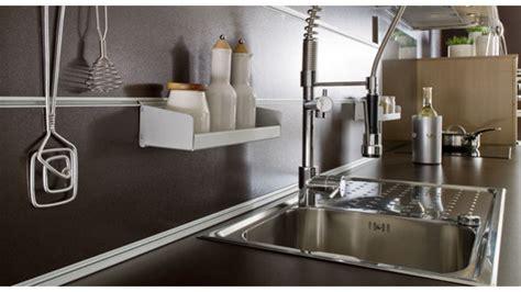Barre De Crédence Ikea by Cuisine Moderne Grise Et Et Blanche