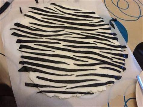 zebra pattern fondant zebra print fondant tutorial edible works of art pinterest