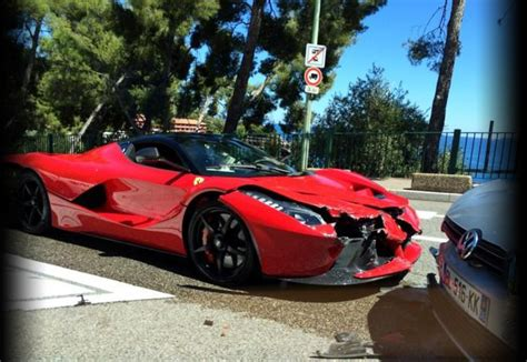 laferrari crash en de eerste laferrari crash is een feit autofans