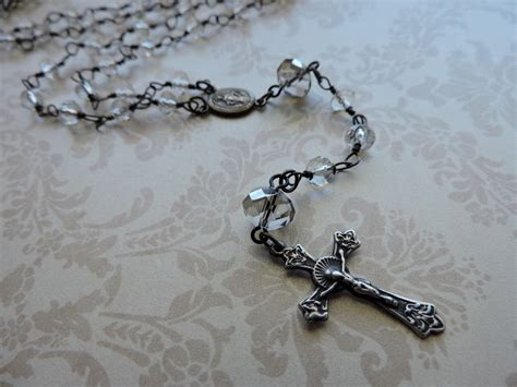 who uses rosary use beaded chain to make a classic rosary rings and things