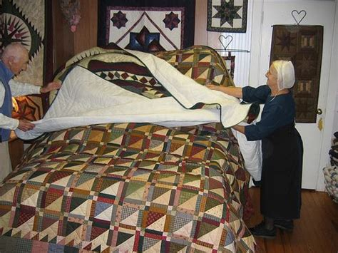Quilt Shop Lancaster Pa by Amish Quilt Shop In The Country Quilt