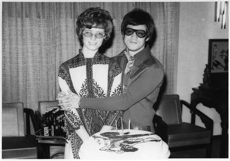 bruce lee daughter biography bruce lee s family photos reveal the quiet life of the