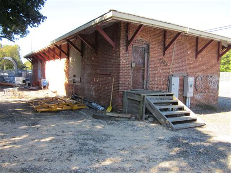 freight house oakdale lirr