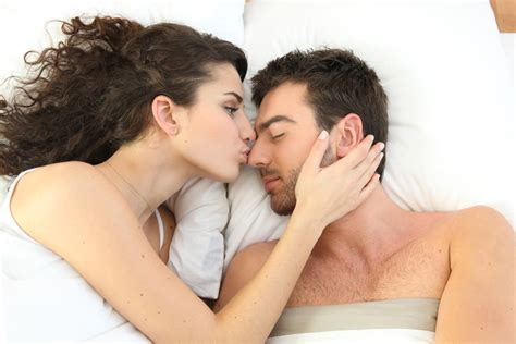 people kissing in bed 9 ways to attract someone who adores you