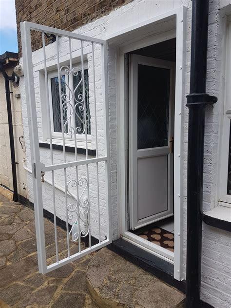 rsg decorative door gates    provide