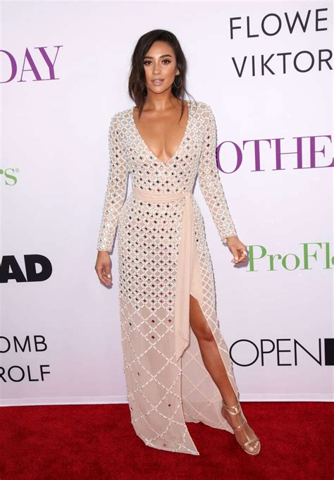s day premieres shay mitchell mothers day premiere 04 gotceleb