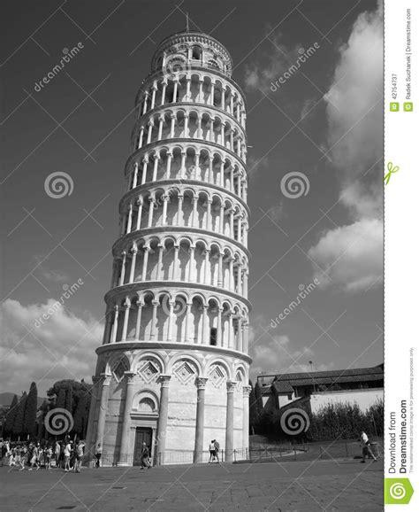 imagenes a blanco y negro de la torre eiffel torre inclinada de pisa foto de archivo imagen 42754737